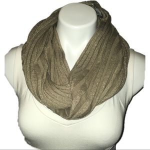 NWT Nordstrom gold infinity scarf soft & warm